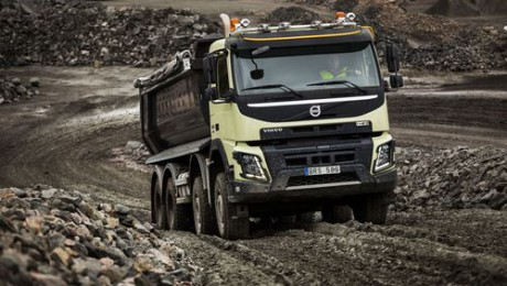 Volvo Trucks: trazione integrale automatica di serie sull'FMX