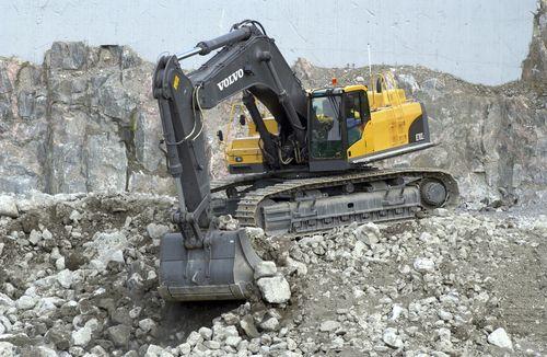 escavatore cingolato EC480EL Testo-1