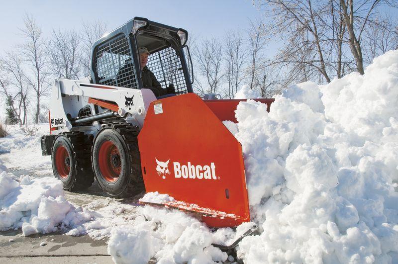 Bobcat si attrezza per l 39 inverno macchine edili news for Noleggio cabina invernale