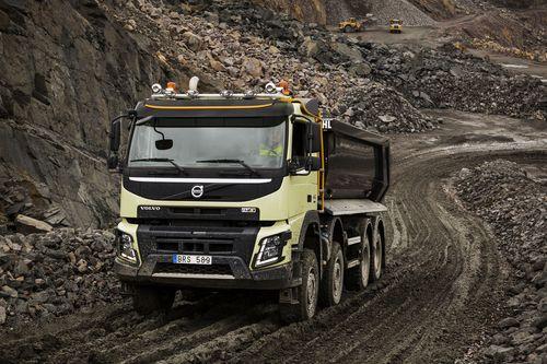 Volvo trucks cos la sterzata dinamica macchine edili - Foto di grandi camion ...