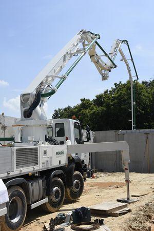 Pompa nuova su camion usato macchine edili news for Effretti usato