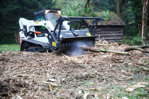 Trinciatutto bobcat ideali per il forestale macchine - Servitu di passaggio manutenzione ...