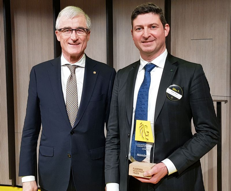 Johan Thiels, Direttore amministrativo di HCEE, & Geert Bourgeois, Ministro- Presidente delle Fiandre