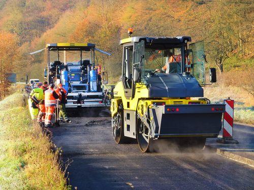 Dynapac roller and paver, pivot, asphalt