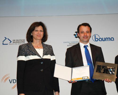 Ilse Aigner, Ministro dell'economia della Baviera, e Alexandre Marchetta, Direttore Generale Delegato del Gruppo Mecalac sa