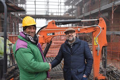 Daniele Pasqua (Mgp) e Samuele Facinetti (SCAI) davanti allo ZX 19U-5